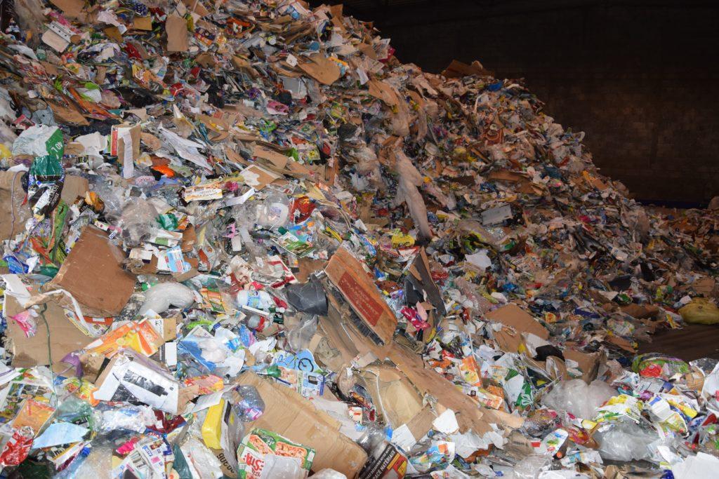DSC 0194 Le tri des emballages recyclables SMICOTOM 33