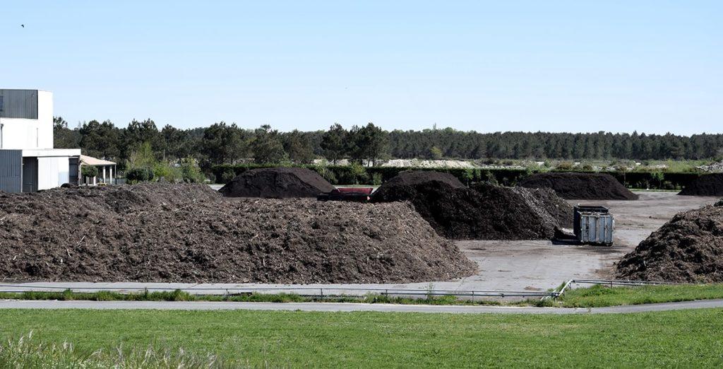 La plateforme de compostage à Naujac sur Mer La valorisation des déchets fermentiscibles SMICOTOM 33
