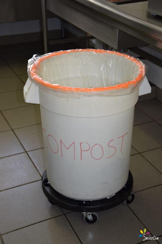 Mise en place flux compost dans cuisine L' accompagnement SMICOTOM 33